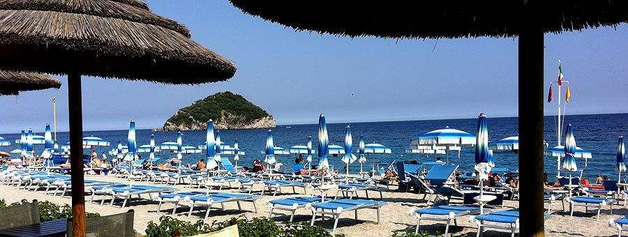 Velazzurra beach Service